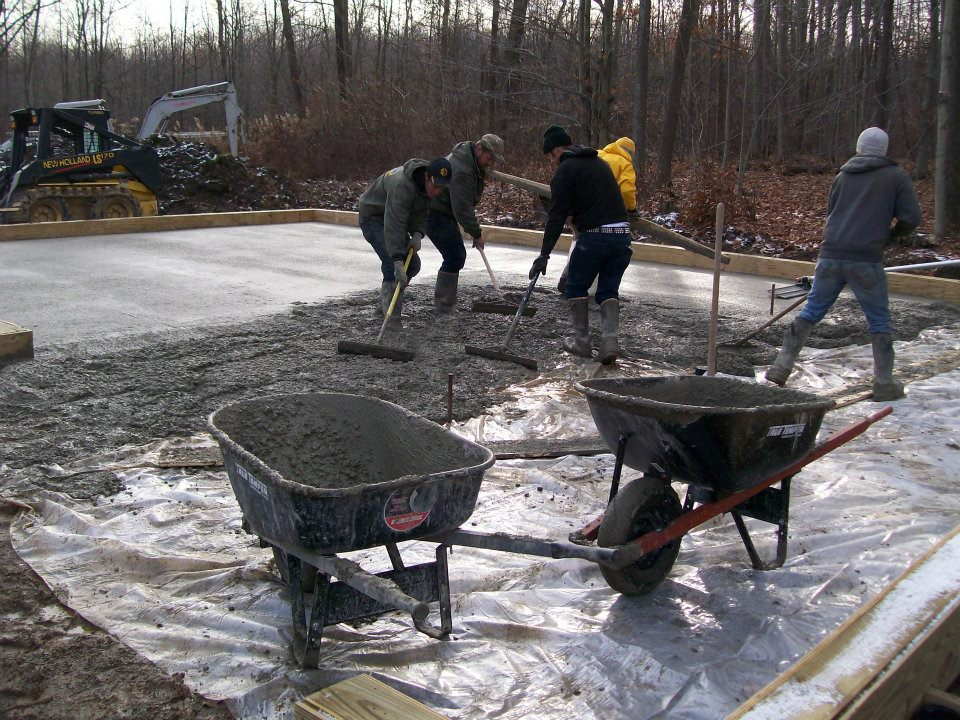 Pouring Concrete In An Existing Pole Barn : Pour concrete floor in custom pole building erie pa